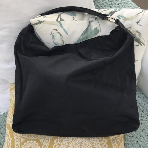 6f7c059fba HOBO Handbags - EUC Hobo International Shoulder Bag Black